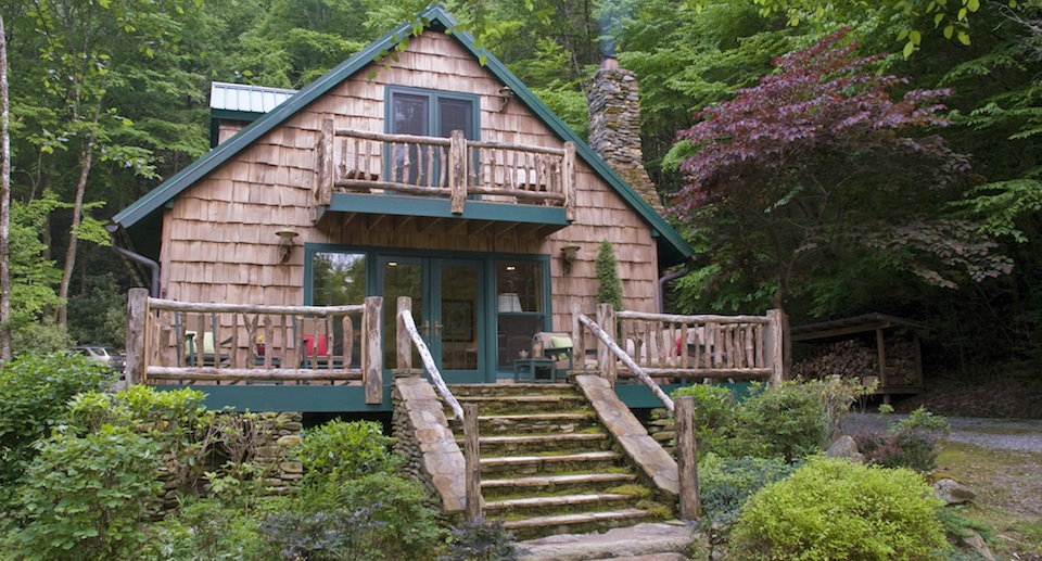 Secluded Luxury Waterfront Cabins, Brevard NC